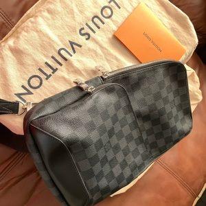 Louis Vuitton Avenue Sling